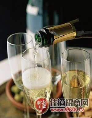 香槟酒到底是什么酒?_中国佳酒招商网