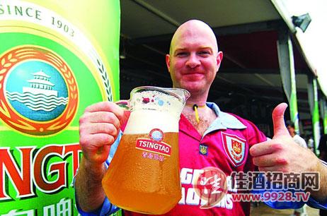 青岛啤酒节火热程度胜过慕尼黑