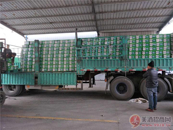 崂冰啤酒公司搞促销市场、大暴动、天天发货!!!