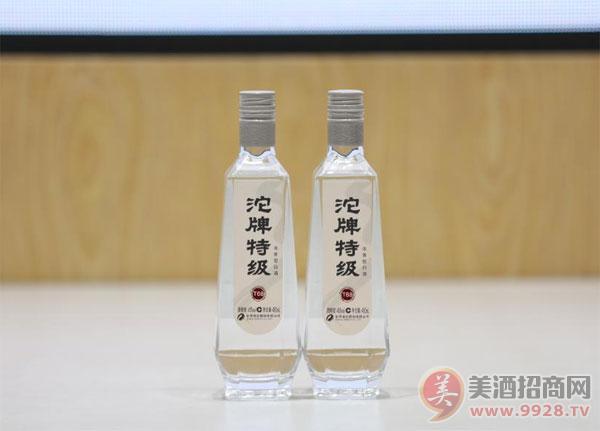 沱牌特级T68高线光瓶酒