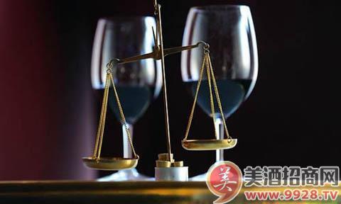 葡萄酒中的单宁主要是在酿酒过程中从皮和籽中