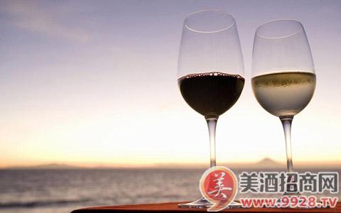 喝葡萄酒对牙齿好吗?