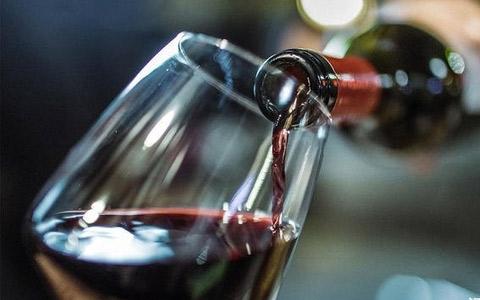 【酒与养生】饮用葡萄酒绝对不能犯的三件事情