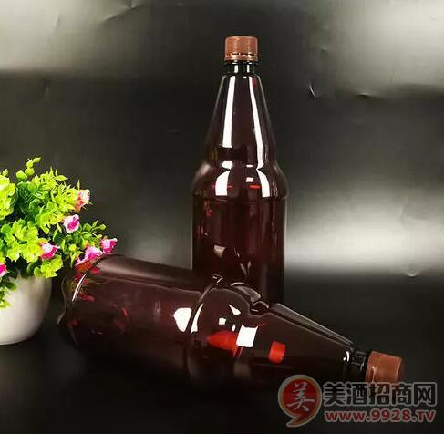 啤酒未�戆l展���PET瓶