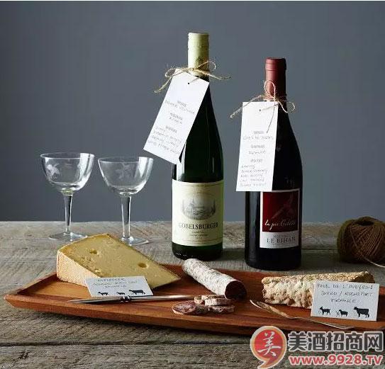 你的葡萄酒是国内罐装的吗?背标其实能告诉你很多