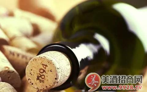 葡萄酒瓶为什么以绿色居多?