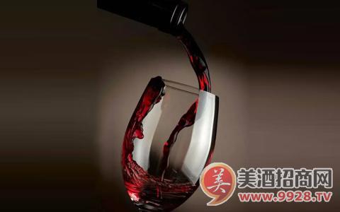 如何倒红酒, 才显得你更专业!
