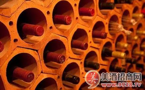哪些葡萄酒适合长期瓶陈?