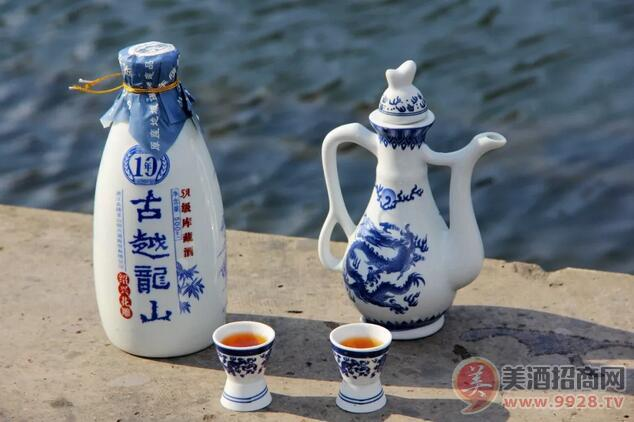 彭富春:品绍兴古越龙山黄酒