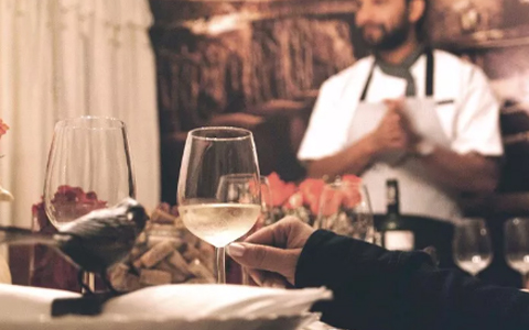 在西餐厅点葡萄酒,你会吗?