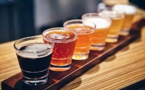 赌你一定没试过的三种啤酒新喝法