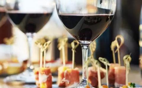 专家们为何偏爱高酸型葡萄酒?