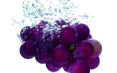 自酿葡萄酒过程中如何正确清洗葡萄?
