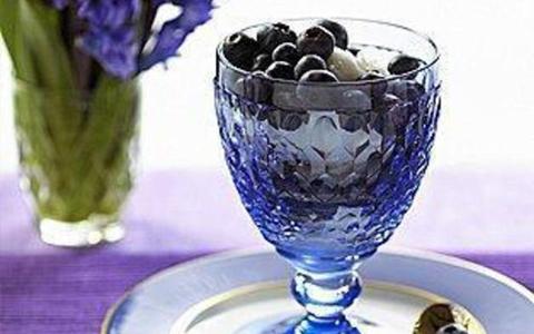 蓝莓怎么泡酒_蓝莓酒的制作方法谁知道?-
