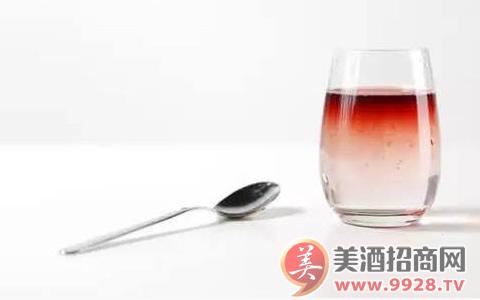 红粉雪碧的酿造方法