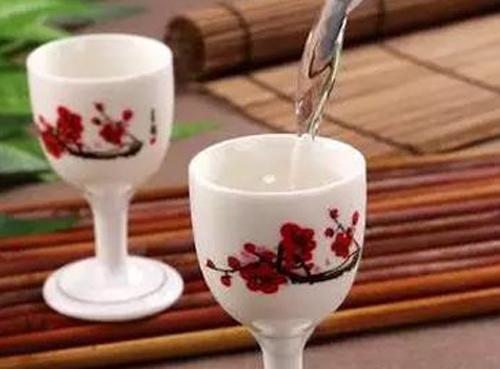 中国白酒按照工艺不同分为哪几种?