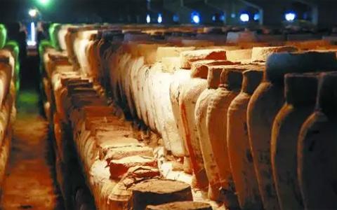 酱香型白酒酿造的关键:揭秘窖泥