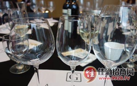 推出馬爾貝克葡萄酒專用酒杯受歡迎
