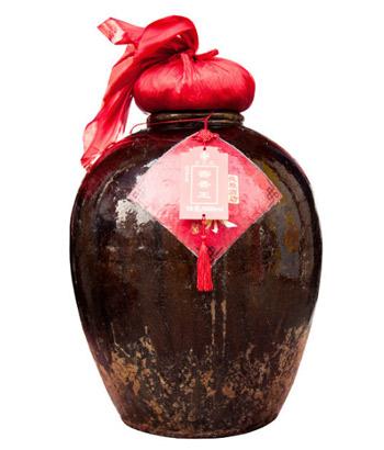 百老泉散白酒:用�r�g�造的美