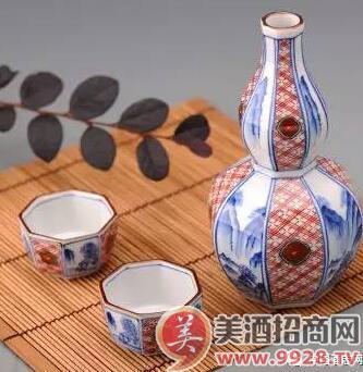 中国白酒酒瓶收藏之道