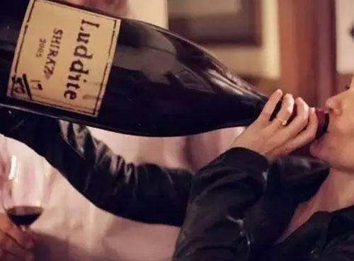 除了750ml标准瓶,为什么会有大瓶葡萄酒?