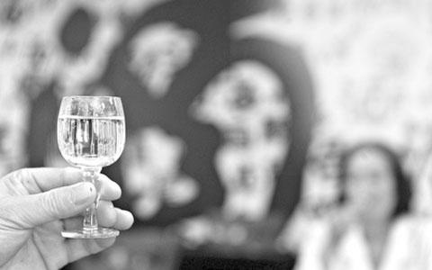 白酒再出国,产销成绩依旧无上升