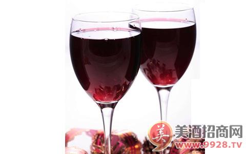 葡萄酒增长继续提速,瓶装葡萄酒进口同比增长15.5%