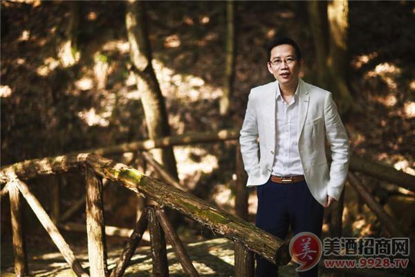 张裕珍藏版白兰地联名著名财经作家吴晓波