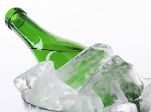"""泰国将对""""零度啤酒""""开征高额税,预计14-22%之间"""