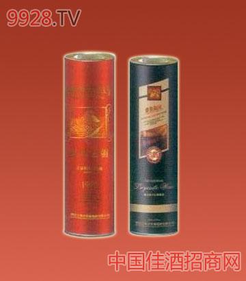 王朝干红葡萄酒圆桶