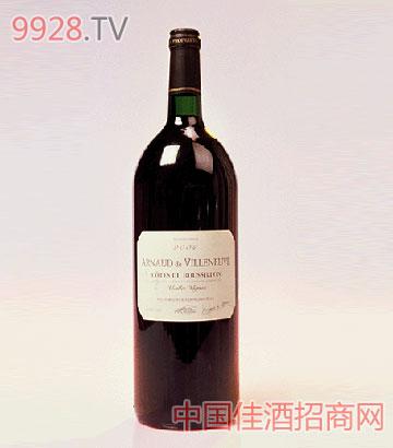 柔茜红加泰罗尼亚山坡葡萄酒