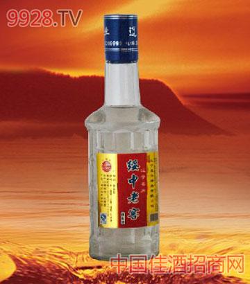 地区:辽宁省/葫芦岛;; 半斤绥中老窖酒; 名称:半斤绥中老窖酒类别