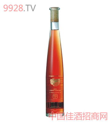 黄金液体赤霞珠冰红酒