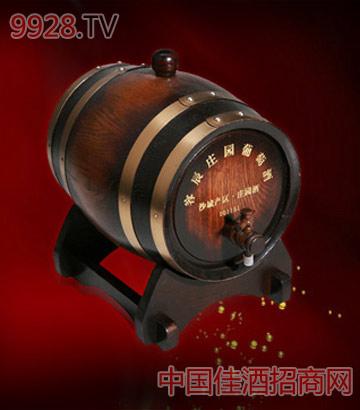 古色橡木桶葡萄酒
