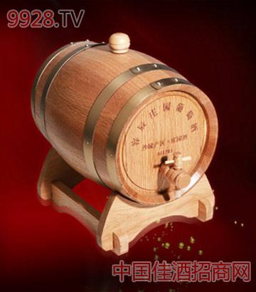 原色橡木桶葡萄酒