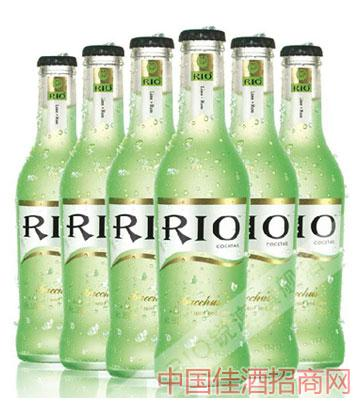 瓶装青柠味朗姆酒