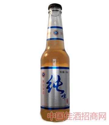 白瓶纯啤啤酒