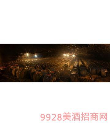 贵州天然溶洞酱香白酒洞藏基地