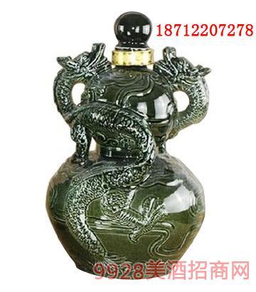 龙图青釉坛子酒