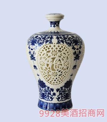 二斤瓶蓝色镂空封缸黄酒