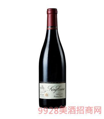 黑皮诺红葡萄酒