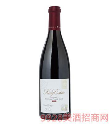 钻石黑皮诺红葡萄酒
