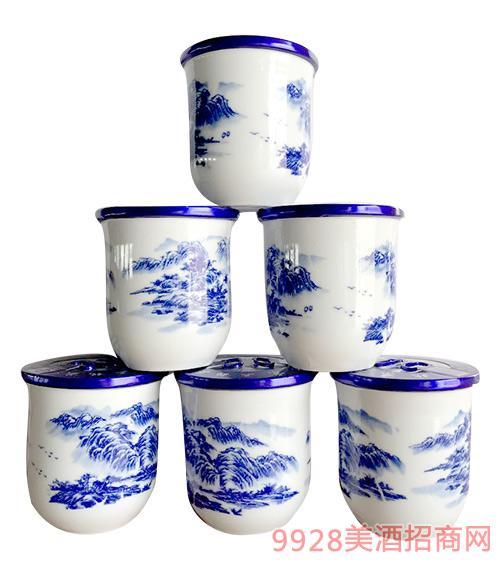 房氏北京二��^酒青花瓷杯�b42度125mlx24