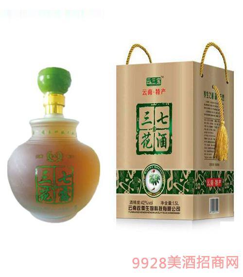 云三宝三七花露酒42度1.5L