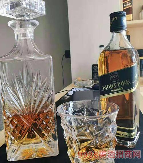 英格�m�糁�火精品威士忌40度