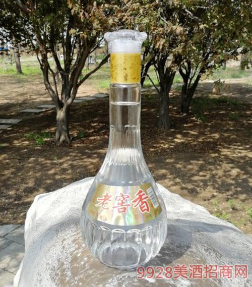 老窖香酒瓶�b