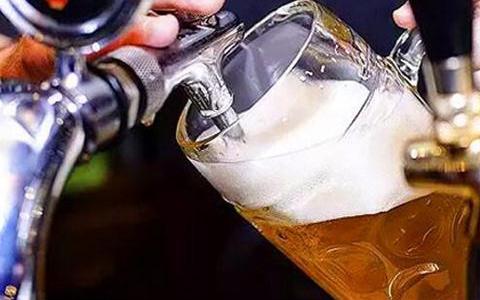 """啤酒文化产业成了扭转销量的""""招"""""""
