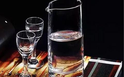 解析白酒的快消化或精细化