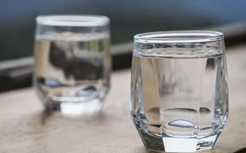 白酒为什么会出现混浊和沉淀?