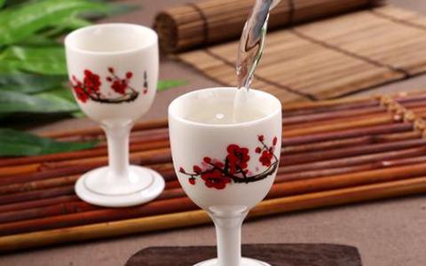 多粮浓香型白酒备受消费者青睐